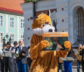 VÕIT LOOMADE JAOKS! Eesti keelustab karusloomafarmid